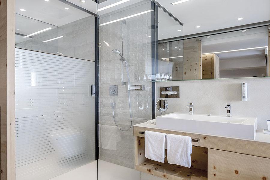 franz kaldewei ski und wellnesshotel garantiert. Black Bedroom Furniture Sets. Home Design Ideas