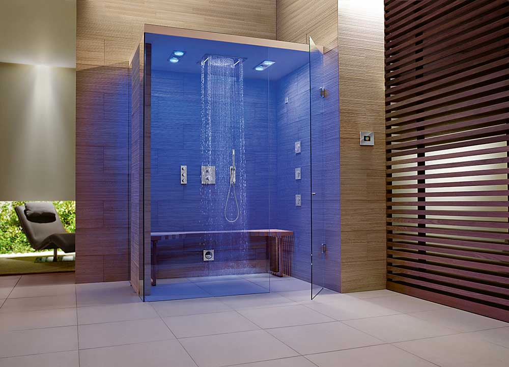 Bäder Digital: Mit Wasser  Sowie Lichtszenarien Und Sound Rüsten Moderne  Spa Duschen Auf. Bild: Grohe
