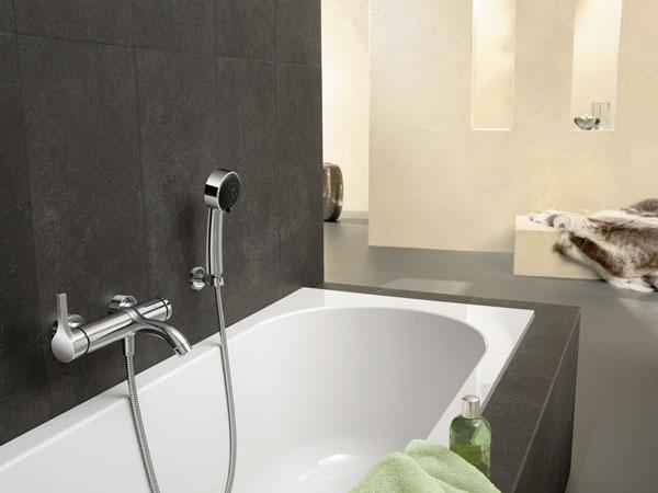 Armaturen badewanne  Zeitgemäßer Wasserfall - Bad-Armaturen für Dusche, Waschtisch und ...