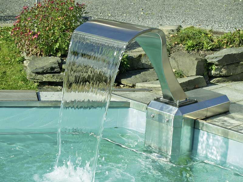 die lust am wasser mit luft und wasserattraktionen lassen sich der private pool und das. Black Bedroom Furniture Sets. Home Design Ideas