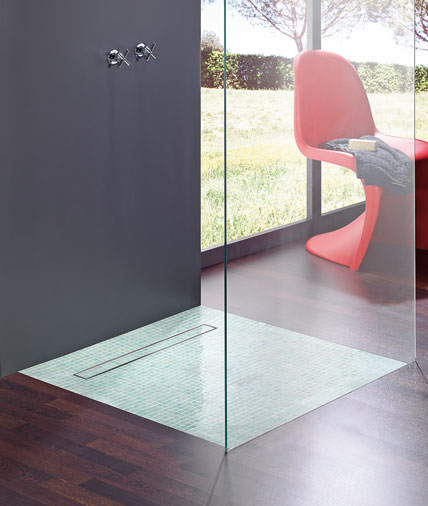 klare linie im duschrinnenbad markt bersicht duschrinnen und duschelemente f r bodenebene. Black Bedroom Furniture Sets. Home Design Ideas