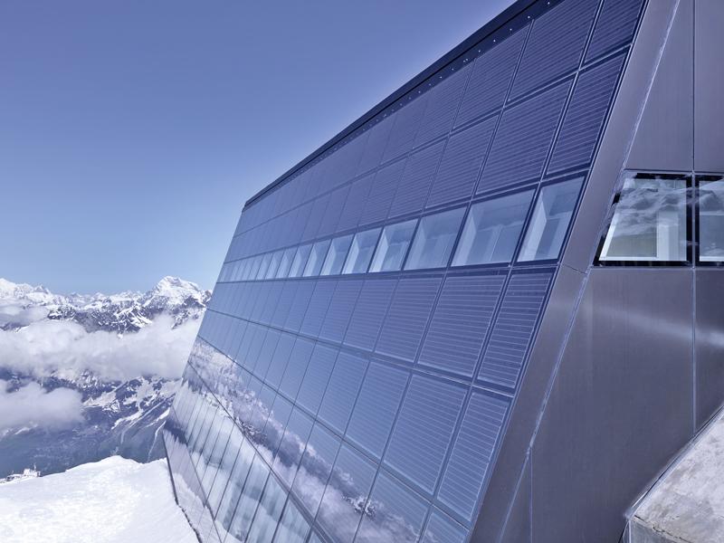 Viel versprechende Perspektiven - BIPV – Solare Glasanwendungen in ...