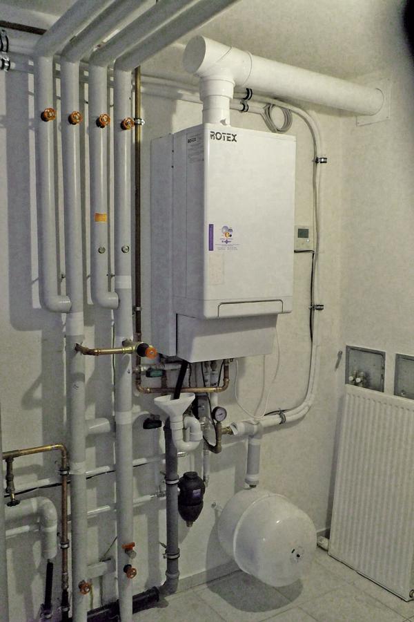 clever modernisiert mit w rmepumpe und gas intelligentes gas hybrid w rmepumpensystem f r die. Black Bedroom Furniture Sets. Home Design Ideas