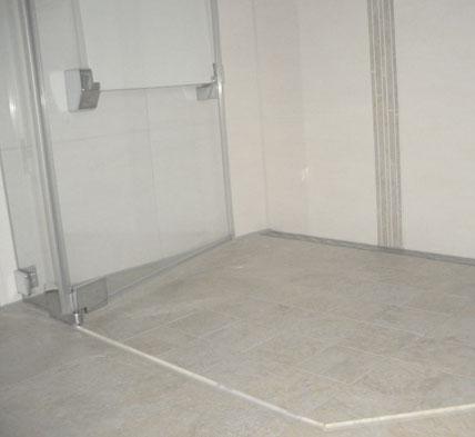 spannungsreiche kollision informationen ber schnittpunkte von sanit rinstallationen und. Black Bedroom Furniture Sets. Home Design Ideas