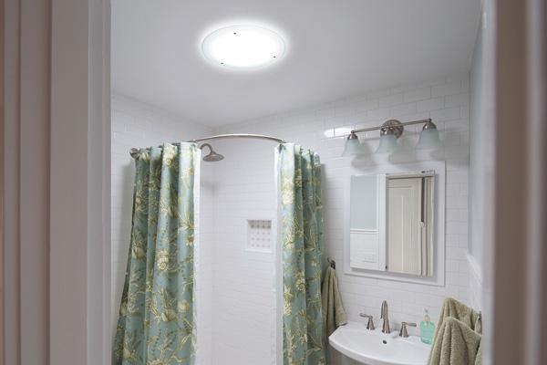 solatube systeme bringen sonnenlicht in fensterlose badezimmer ikz. Black Bedroom Furniture Sets. Home Design Ideas