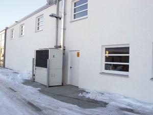heizen und klimatisieren mit gas w rmepumpen autohaus reduziert betriebskosten und co2 aussto. Black Bedroom Furniture Sets. Home Design Ideas