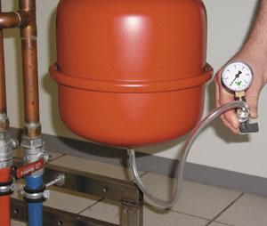 Service und Wartung von Gas-Brennwertkesseln