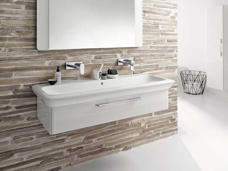 steckdosen badezimmer waschbecken haus design ideen. Black Bedroom Furniture Sets. Home Design Ideas