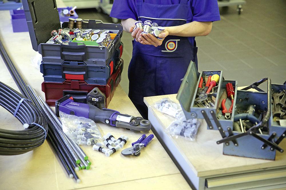 sauber agieren rohrleitungen fittings und andere komponenten stets verschlossen lagern und