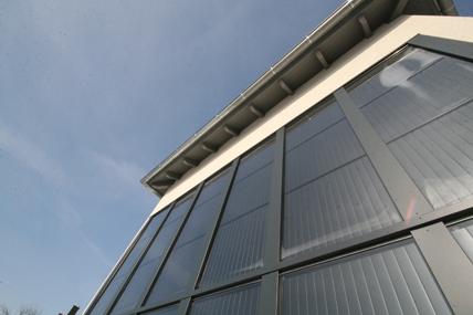 sanfte raumlufttemperierung mit solarer wohnungsl ftung luftgef hrte solarfassade in einem. Black Bedroom Furniture Sets. Home Design Ideas